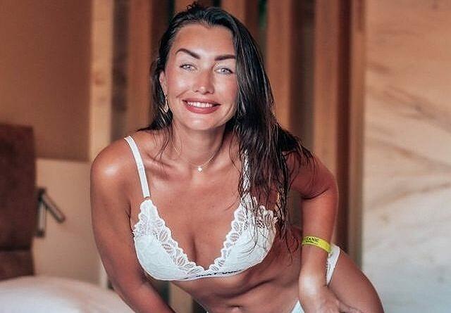 Frauen nackt vor der Web Cam Amateure live und nackt vor der Kamera