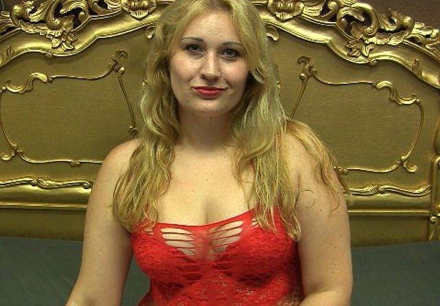 Frauen nackt vor der Webcam - Nackte Livecams - Nackt vor