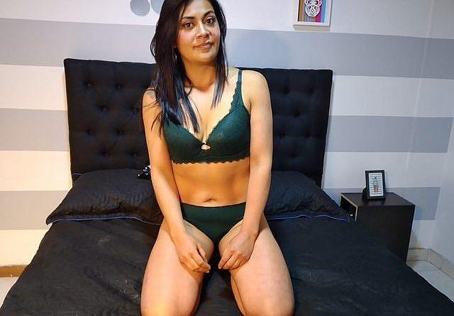 Junge Araberin Masturbiert Vor Der Cam