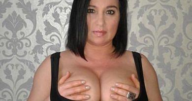 Hausfrauen nackt privat – Nackt vor der Webcam