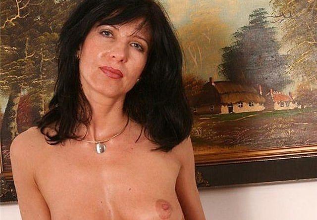 Bilder nackte zeigen frauen Sexy Nackte